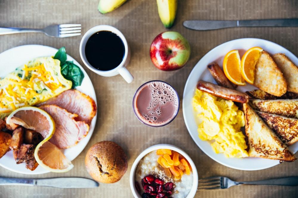 Gezond ontbijt: 3 gezonde recepten binnen 5 minuten op tafel